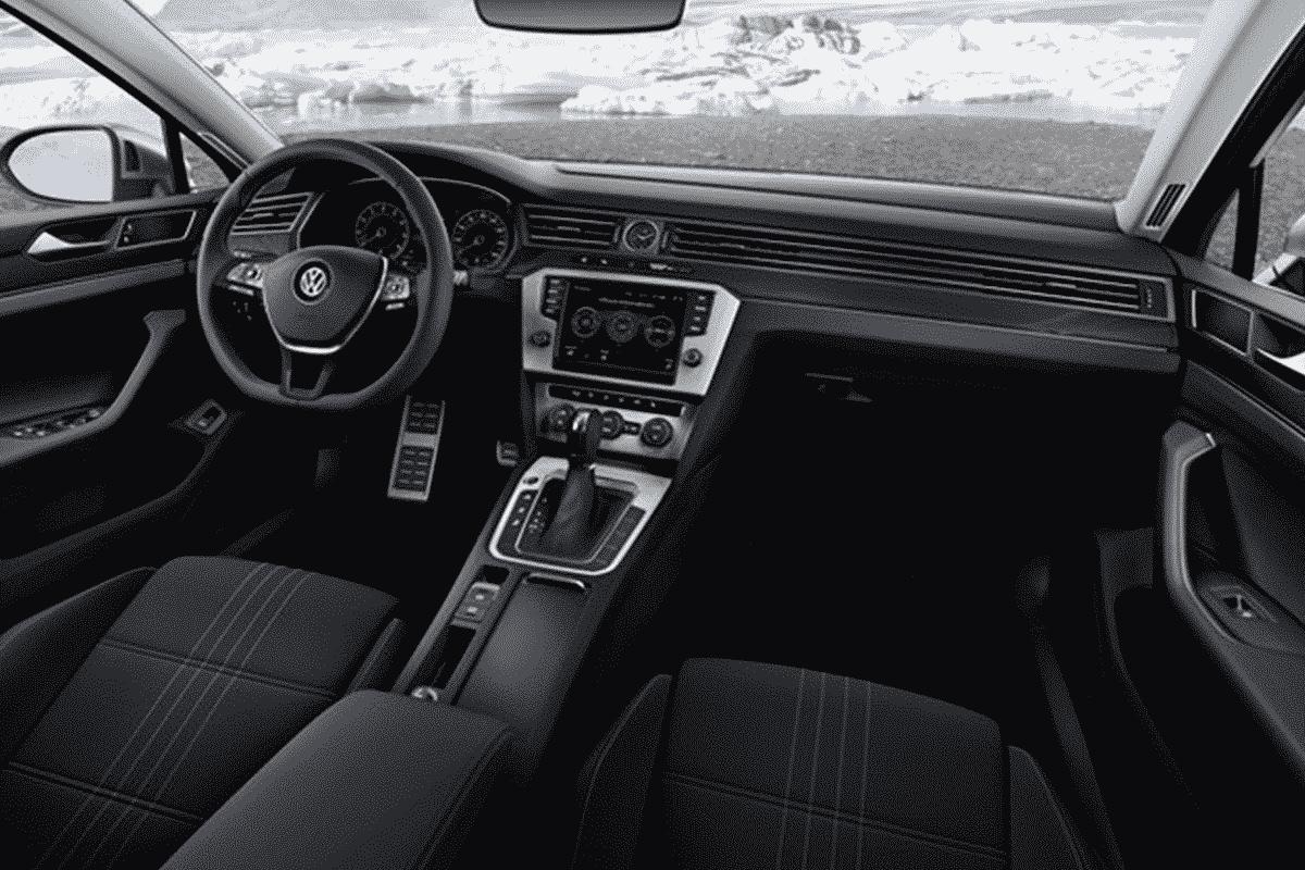 Hyr Volkswagen Passat billigt hos Franz J Biluthyrning