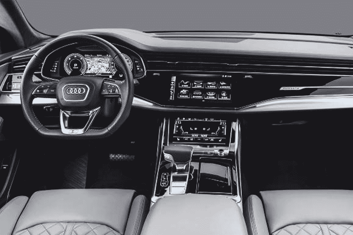 Hyr Audi Q8 hos Franz J Biluthyrning